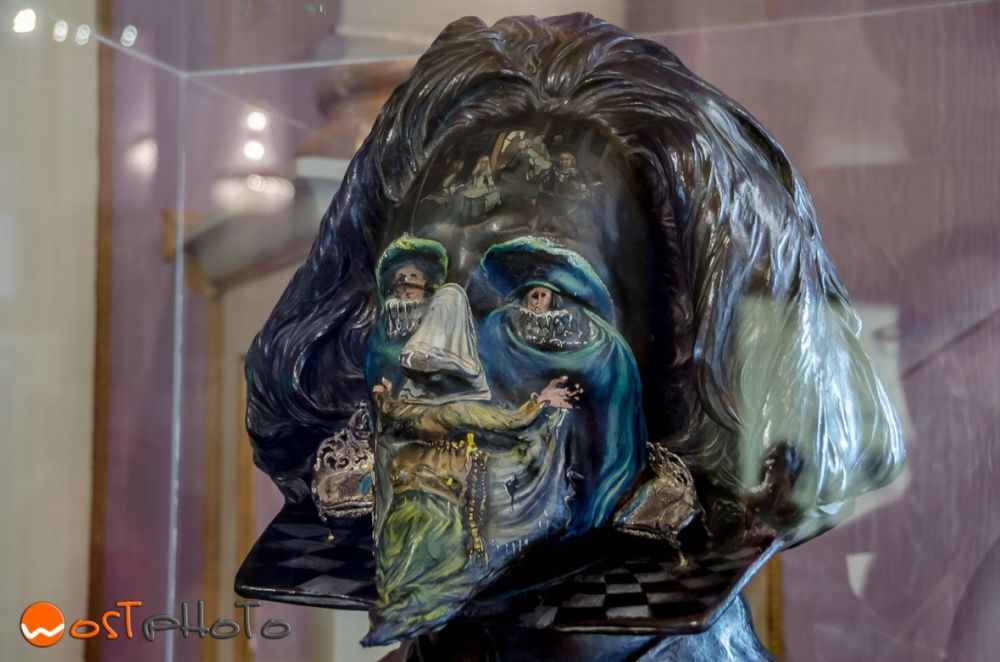 Sculpture of Salvador Dali at the Dali Theatre Museum in Figueres